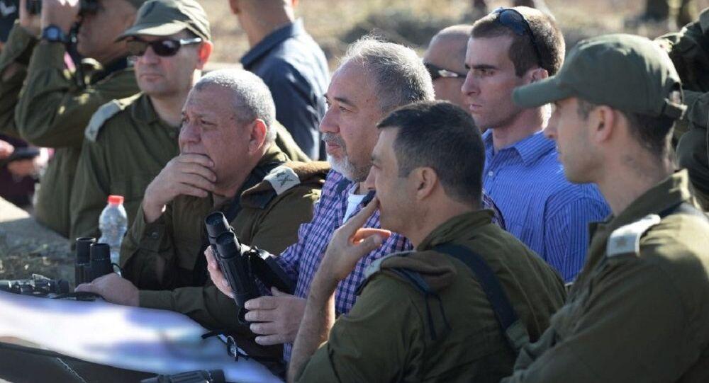 Defense Minister Avigdor Liberman on Israel's northern border, November 2017