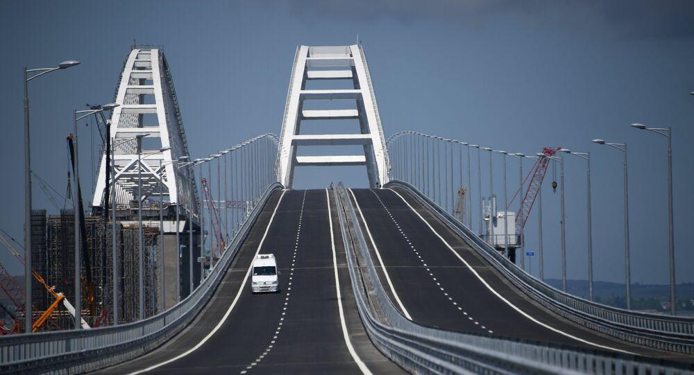 Crimean bridge opens for automobile transport