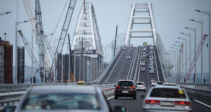 Car traffic on the Crimean Bridge's freeway section