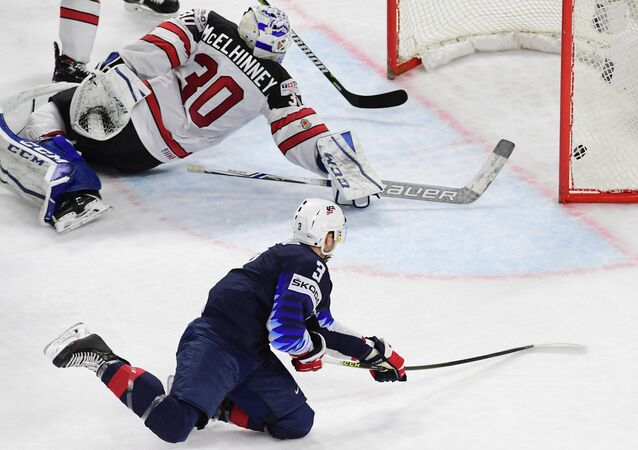 United States' Nick Bonino scores a goal during the 2018 IIHF World Championship bronze medal match between the national teams of the United States and Canada