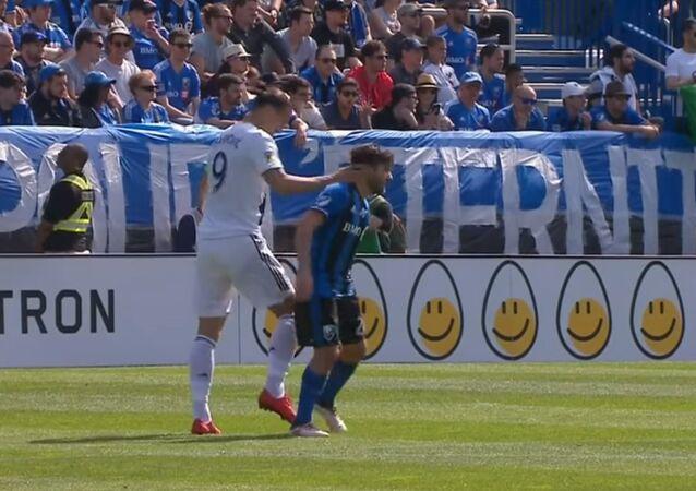 Zlatan Ibrahimovic slaps opponent in the head
