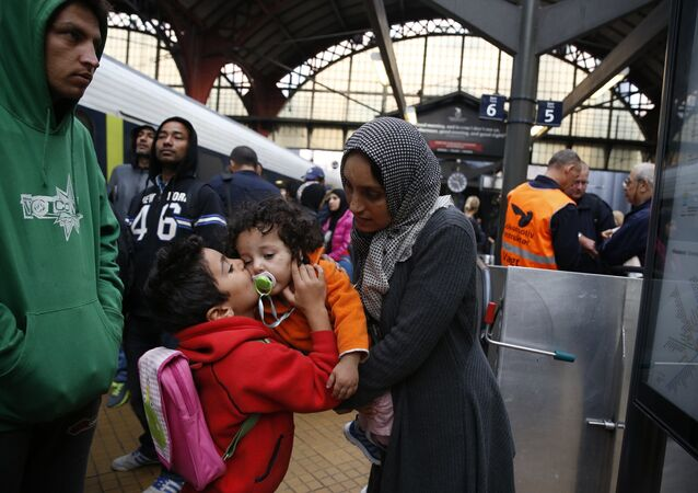Syrian migrants arrive at main train station in Copenhagen (File)