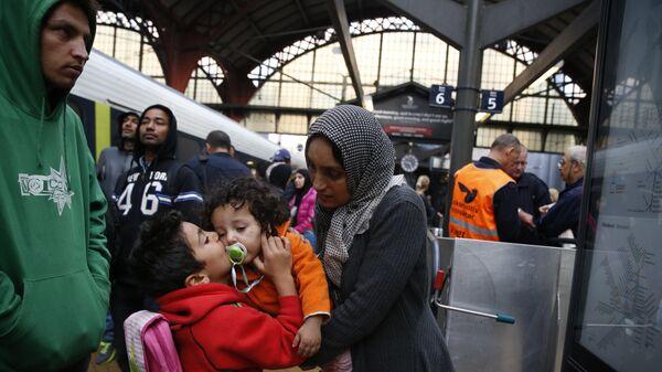 Syrian migrants arrive at main train station in Copenhagen (File) - Sputnik International
