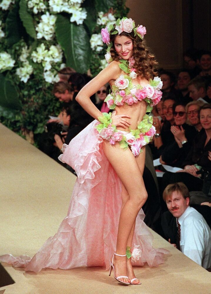 Unattainable Ideal: Supermodels of the Nineties