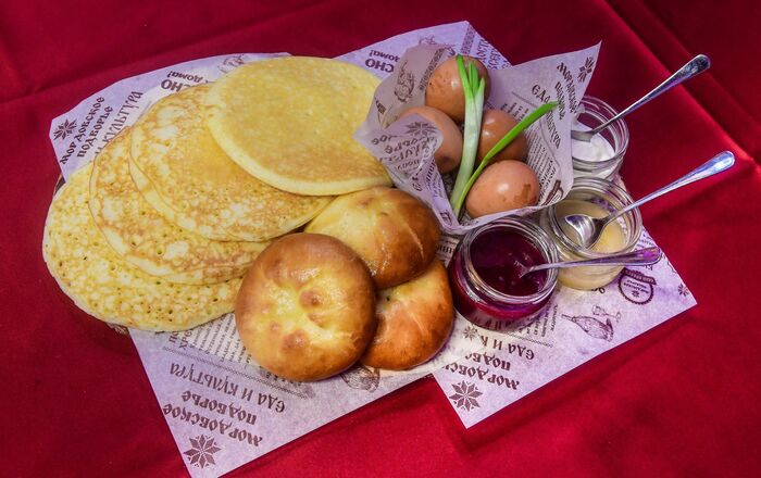 Panzhakay, roasted eggs and pachat
