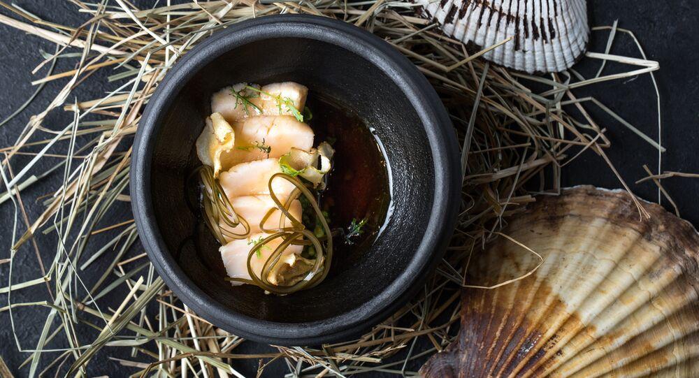 Baran-Rapan's Glazed scallops with Indian cress and umami broth