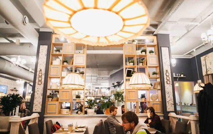 Interior of Sochi's Sicilia Pizzeria
