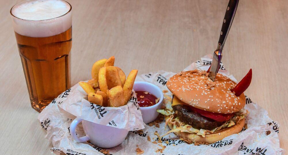 Tri olenya's special burger