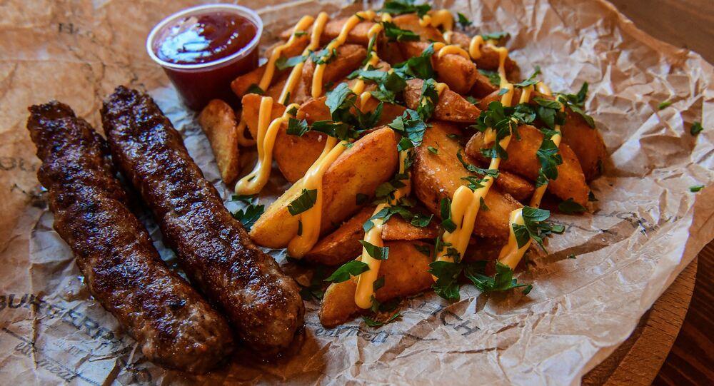 BURGERPALICH's Ćevapi with potato wedges