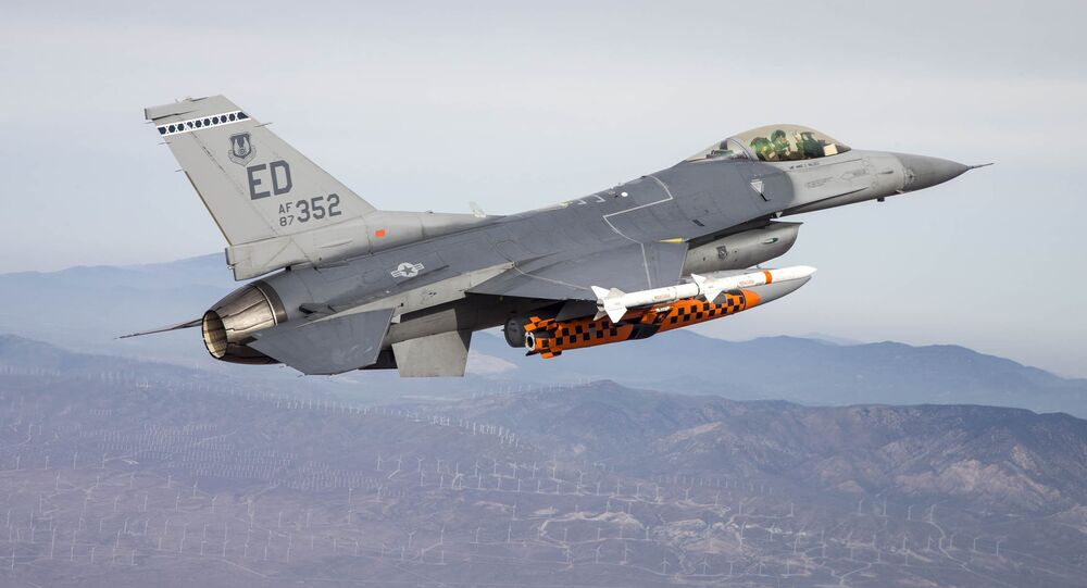F-16 with JSM