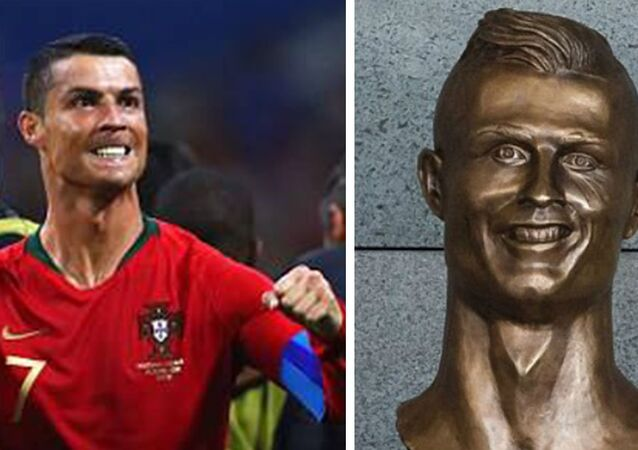 A stolen statue of Cristiano Ronaldo has been replaced yet angry fans are calling for the original to be returned