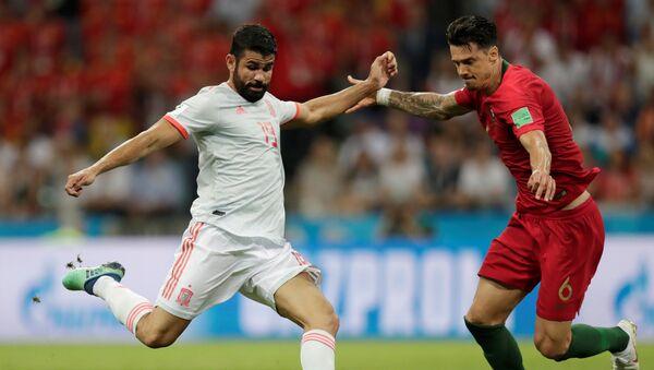 Diego Costa, futbolista español (izquirda) - Sputnik International