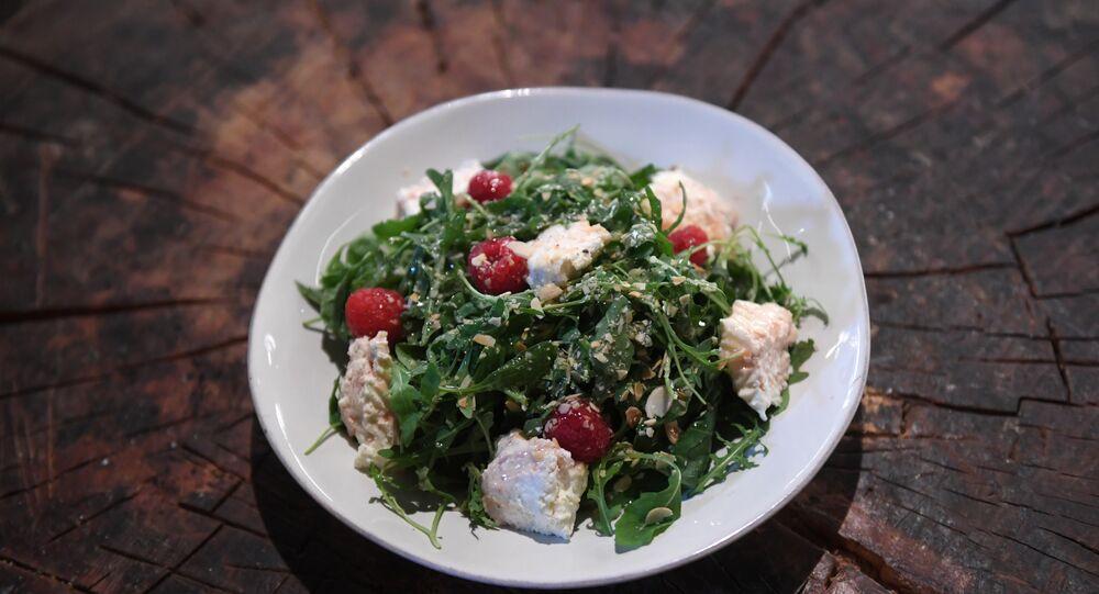 Syrovarnya's Ricotta, spinach and raspberry salad