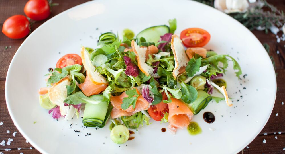 Peperonchino's Mildly-cured salmon and avocado salad
