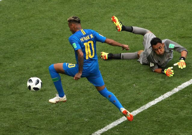 Soccer Football - World Cup - Group E - Brazil vs Costa Rica - Saint Petersburg Stadium, Saint Petersburg, Russia - June 22, 2018 Brazil's Neymar scores their second goal as Costa Rica's Keylor Navas looks on