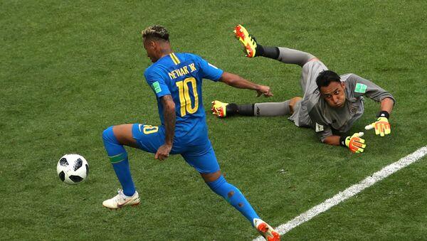 Soccer Football - World Cup - Group E - Brazil vs Costa Rica - Saint Petersburg Stadium, Saint Petersburg, Russia - June 22, 2018 Brazil's Neymar scores their second goal as Costa Rica's Keylor Navas looks on - Sputnik International