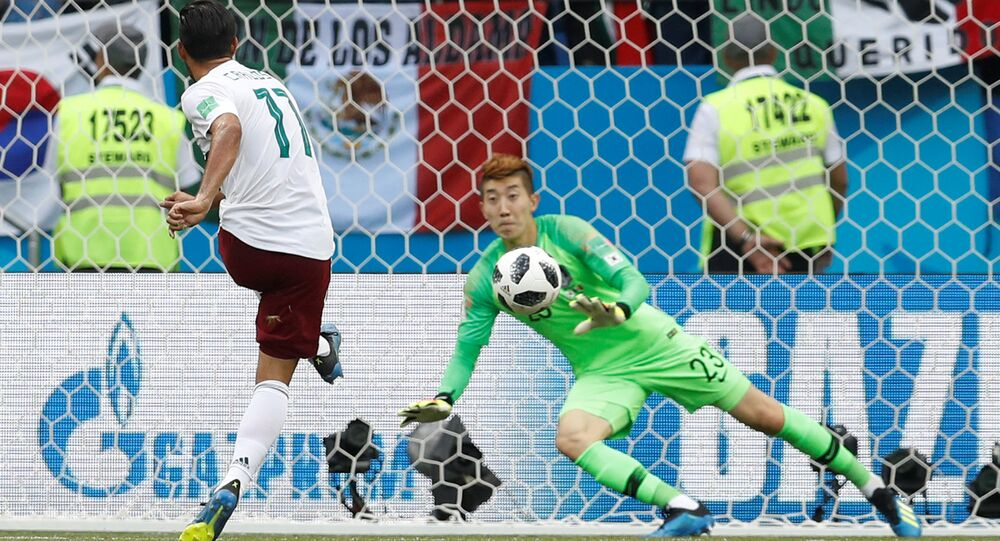 Soccer Football - World Cup - Group F - South Korea vs Mexico - Rostov Arena, Rostov-on-Don, Russia - June 23, 2018 Mexico's Carlos Vela scores their first goal from a penalty past South Korea's Cho Hyun-woo