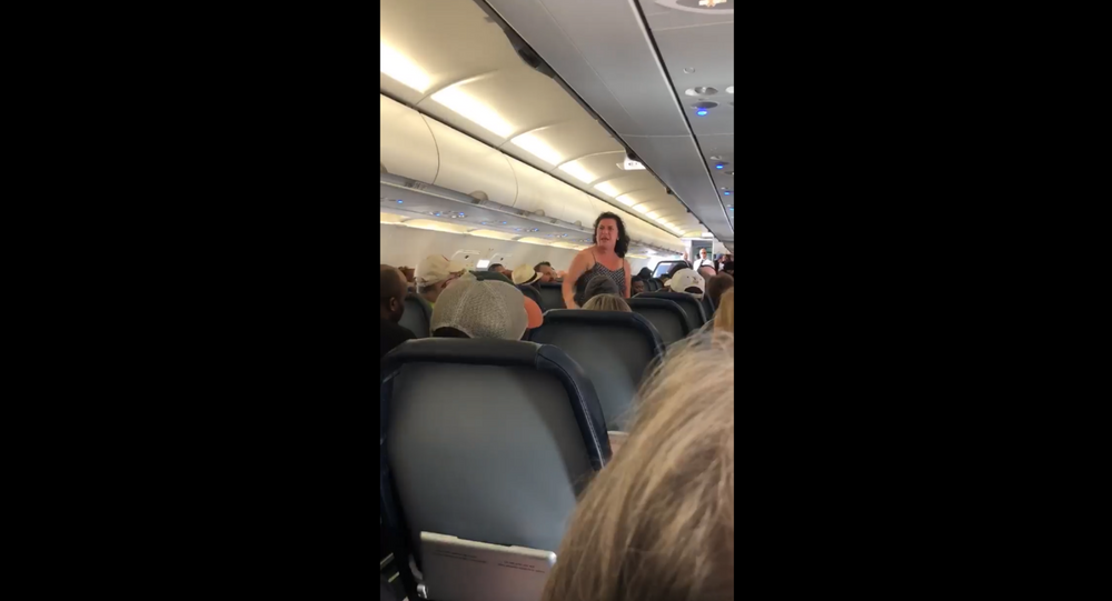 Spirit Airlines passenger has meltdown after flights gets diverted for medical emergency in Minnesota