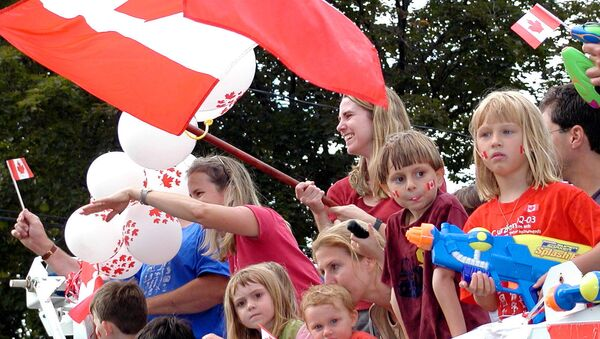 The Canada Day Parade making its way along Westminster Avenue in Montreal West - Sputnik International