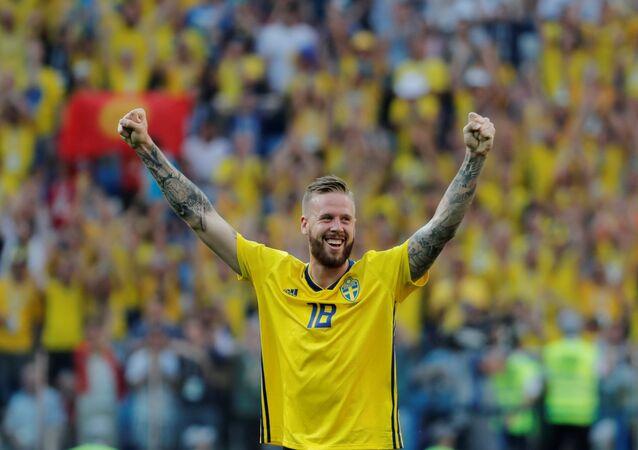 Soccer Football - World Cup - Group F - Sweden vs South Korea - Nizhny Novgorod Stadium, Nizhny Novgorod, Russia - June 18, 2018 Sweden's Pontus Jansson celebrates victory after the match