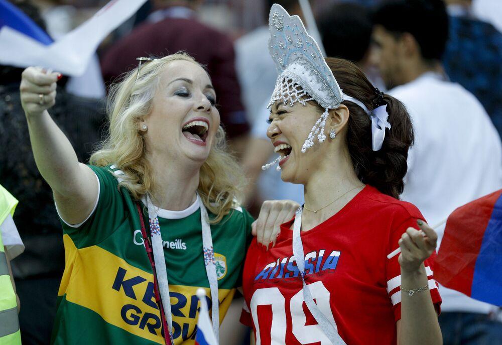 Russian Kokoshnik: FIFA Football Fans Love Wearing Traditional Headdress