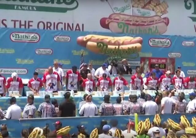 Hot Dog Eating Contest: Joey 'Jaws' Chestnut From US Sets New Record