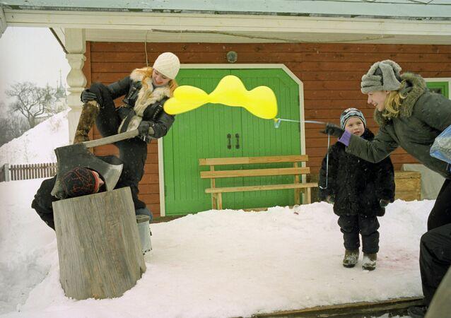 Maslenitsa festivities in Suzdal