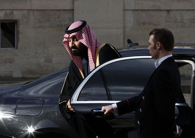 Saudi Arabia Crown Prince Mohammed bin Salman arrives for a meeting with French President Emmanuel Macron at the Elysee Palace in Paris, Tuesday, April 10, 2018. Macron meets with Prince Mohammed in Paris to bolster economic ties and strengthen cooperation on security and defense between the two countries