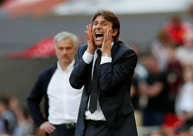 Soccer Football - FA Cup Final - Chelsea vs Manchester United - Wembley Stadium, London, Britain - May 19, 2018 Chelsea manager Antonio Conte reacts during the match
