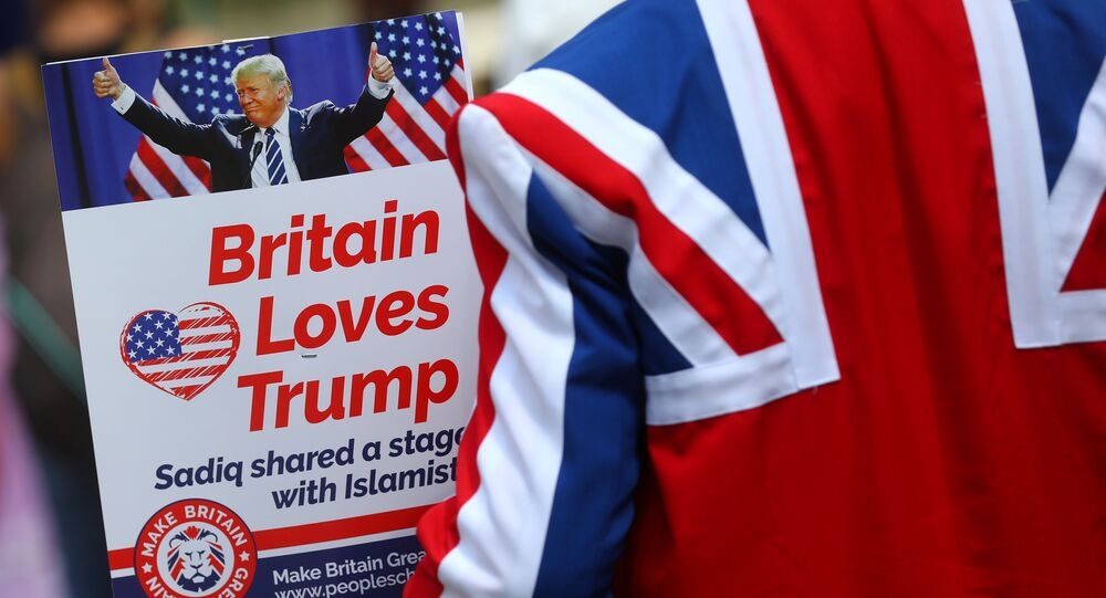 Demonstrators near the U.S. Embassy prepare for a pro-Trump rally, during the visit of U.S. President Donald Trump, in London, Britain July 14, 2018