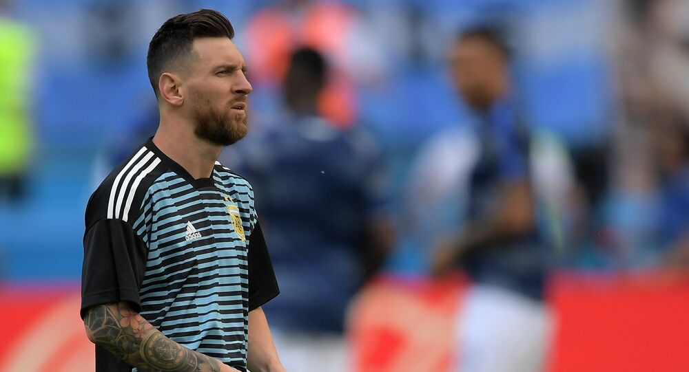 Lionel Messi (Argentina) on the warm-up before the 1/8 finals match of the FIFA World Cup between the national teams of France and Argentina.