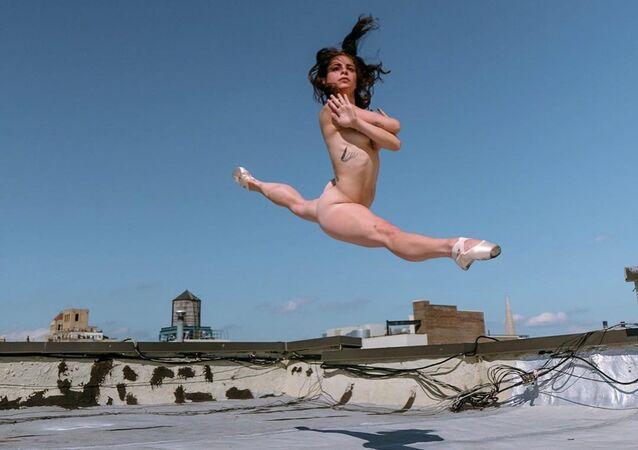 Ballerina on the roof