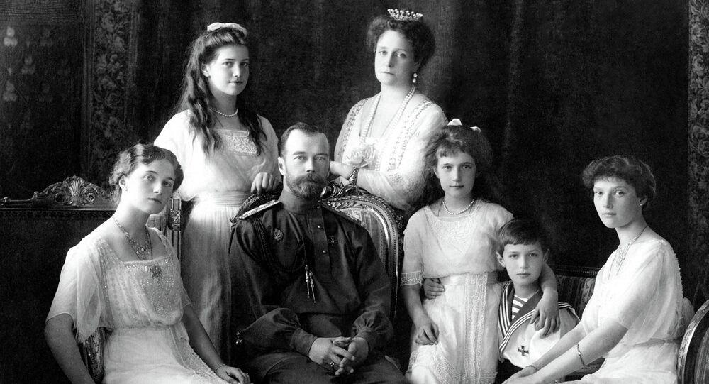 Nicholas II of Russia with the family (left to right): Olga, Maria, Nicholas II, Alexandra Fyodorovna, Anastasia, Alexei, and Tatiana. Livadiya, 1913.