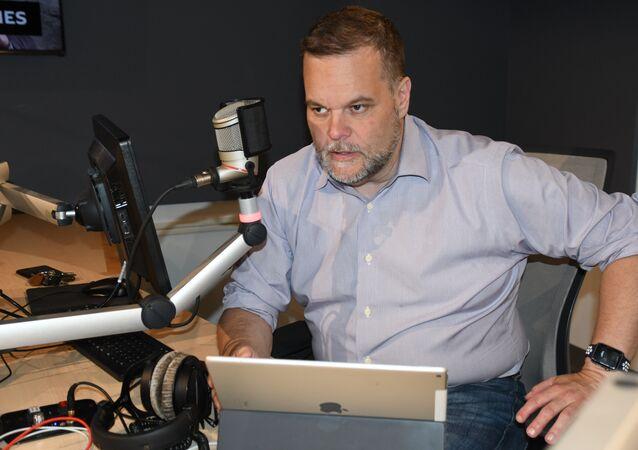 Lee Stranahan in the studio at Radio Sputnik in June 2018