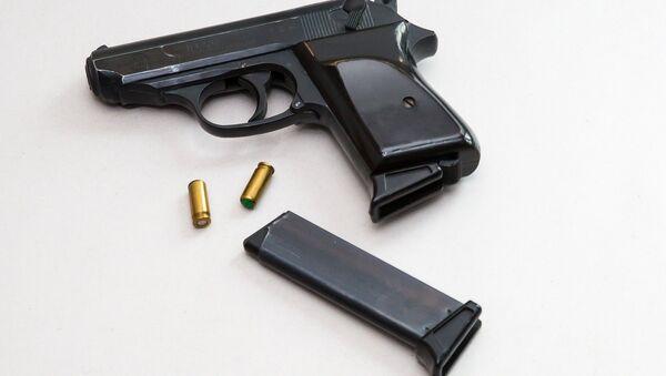 Gun and bullets - Sputnik International