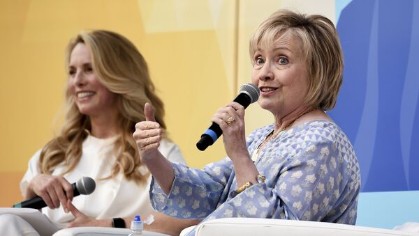 Former First Lady of The United States, Democratic presidential candidate and former Secretary of State Hillary Rodham Clinton, right, in conversation with Laurene Powell Jobs at OZY Fest in Central Park on Saturday, July 21, 2018, in New York - Sputnik International
