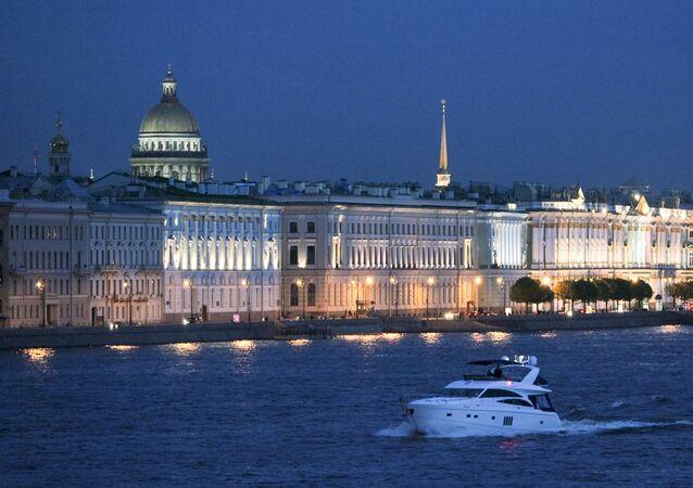 Midnight Journey: White Nights Season Starts in St. Petersburg