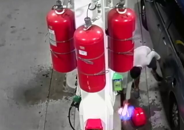 Watch raw: man intentionally ignites fire at Staten Island BP gas pump