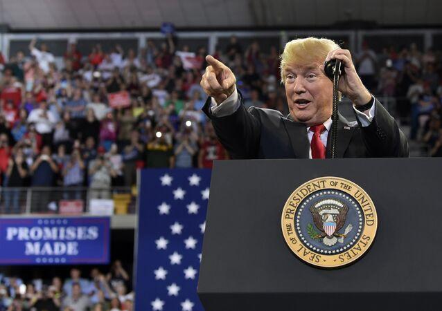 US-Präsident Donald Trump bei einer Kundgebung in der Stadt Duluth (US-Bundesstaat Minnesota)