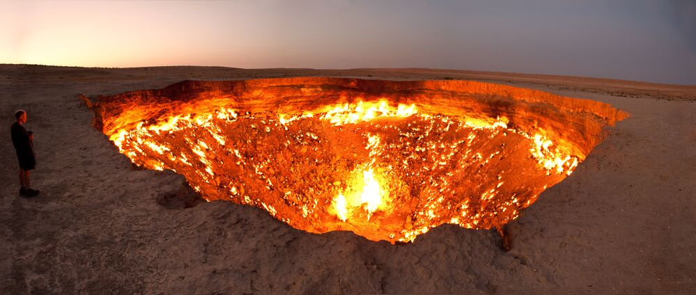 Spectacular Holes: Mysterious Chasms Peering Out From Amazing Places on Earth