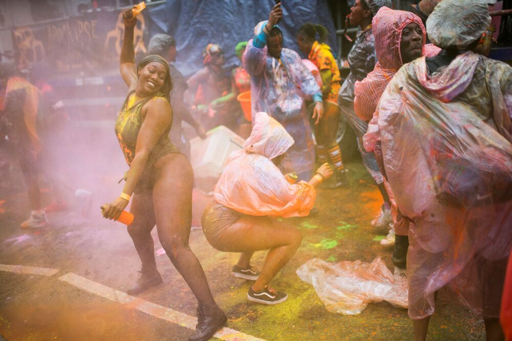 Samba in London: Sexy Highlights of the Notting Hill Carnival