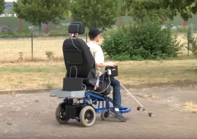 Germany: Man With Poor Vision Invents E-car for the Blind