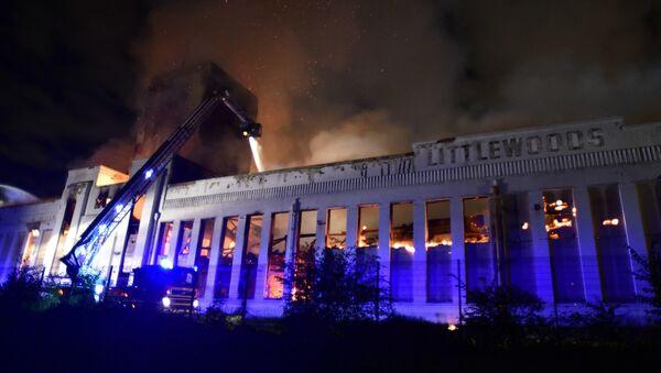 Firefighters battle a huge blaze at the Littlewoods Building in edge Lane, Liverpool, England, Sunday, Sept. 2, 2018 - Sputnik International