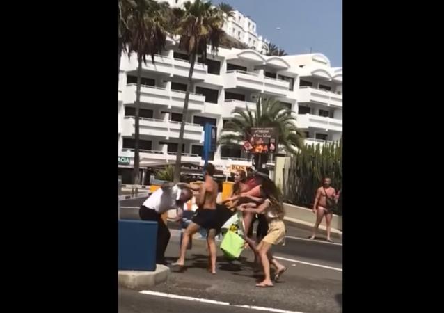 Bystanders record violent weekend fight in Spain's Puerto Rico de Gran Canaria