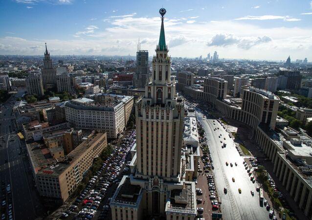 Гостиница Hilton Moscow Leningradskaya Hotel у Комсомольской площади в Москве