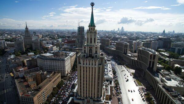 Гостиница Hilton Moscow Leningradskaya Hotel у Комсомольской площади в Москве - Sputnik International