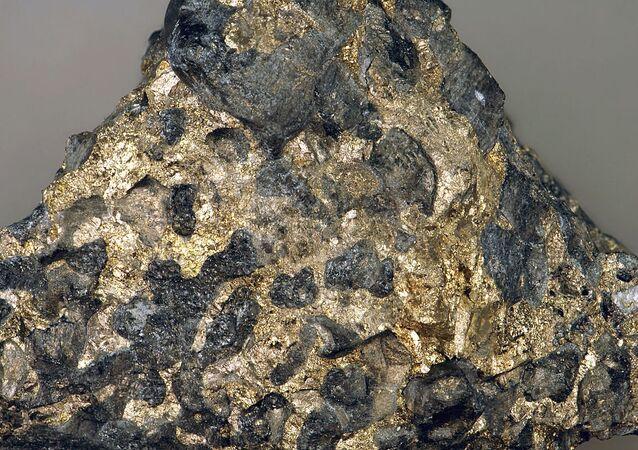 Sulfidic serpentintite platinum-palladium ore, Stillwater Mine.