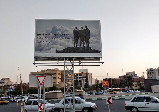 A billboard in Shiraz, Iran, purporting to show Iranian soldiers from the Iran-Iraq War, but actually showing IDF soldiers
