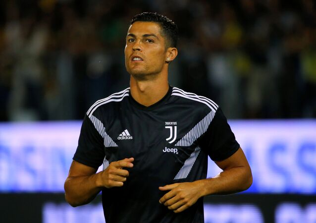 Soccer Football - Serie A - Frosinone v Juventus - Stadio Benito Stirpe, Frosinone, Italy - September 23, 2018 Juventus' Cristiano Ronaldo during the warm up before the match