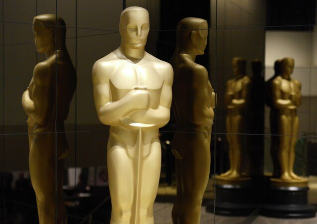 An Oscar statue is seen at the nominations announcement for the 87th Academy Awards in Beverly Hills, California January 15, 2015.